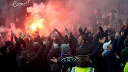 Fans Paris Saint-Germain di Manchester - INDOSPORT