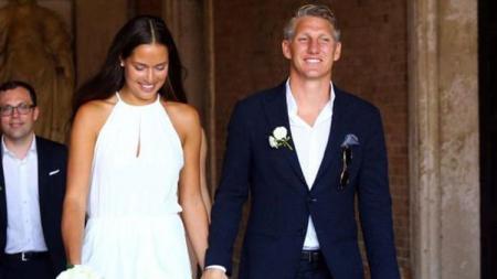Pasngan atlet, Bastian Schweinsteiger dan Anna Ivanovic. - INDOSPORT