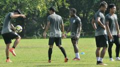 Indosport - Latihan resmi PSIS di Lapangan Yayasan Terang Bangsa, Semarang