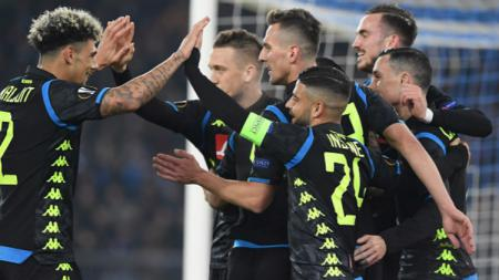 Selebrasi para pemain Napoli usai cetak gol ke gawang Napoli, Jumat (15/02/19). - INDOSPORT