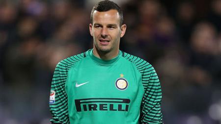 Samir Handanovic jadi kapten selama absennya Mauro Icardi. - INDOSPORT