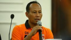 Indosport - Pelatih Perseru Serui, Choirul Huda.