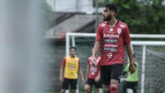 Indosport - Willian Pacheco saat berlatih bersama Bali United beberapa waktu lalu.