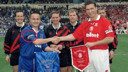 Dennis Wise saat masih bermain membela Chelsea. - INDOSPORT