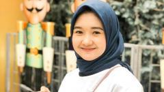 Indosport - Desi Novelia Sari, kekasih Firza Andika