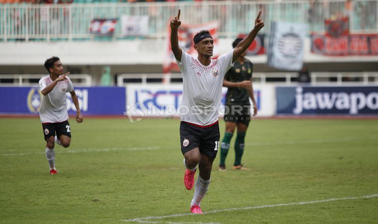 Bruno Matos melakukan selebrasi usai cetak gol ke gawang PS Tira Persikabo Copyright: Herry Ibrahim/INDOSPORT