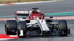 Kimi Raikkonen saat mengendarai C38, mobil terbaru Alfa Romeo untuk F1 2019