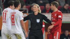 Indosport - Wasit wanita di Bundesliga Jerman