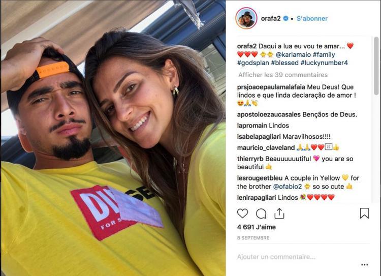 Rafael Da Silva bersama kekasihnya. Copyright: Instagram.com/orafa2