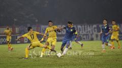 Indosport - Laga leg pertama babak 16 besar Piala Indonesia, Bhayangkara FC vs PSIS Semarang