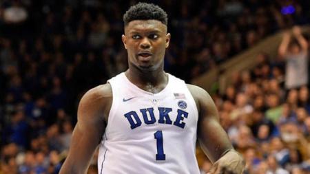 Zion Williamson adalah pemain basket kampus Duke Blue Devis - INDOSPORT