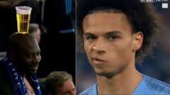 Indosport - Ekspresi wajah Leroy Sane sebelum cetak gol dan suporter Schalke yang unik.