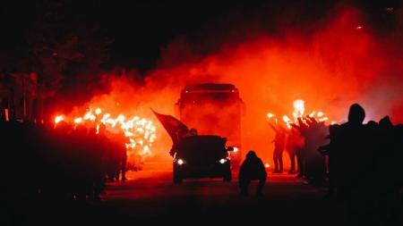 Aksi ultras Zenit St Petersburg di Liga Europa. - INDOSPORT