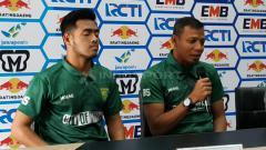 Indosport - Bejo Sugiantoro dan Novan Setya Sasongko di konferensi pers Piala Indonesia 2018/19.