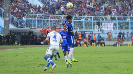 Sedikitnya ada 3 rekor tak disangka-sangka jelang pertandingan panas Arema FC vs Persib Bandung di Liga 1 2020, Minggu (08/03/20). - INDOSPORT