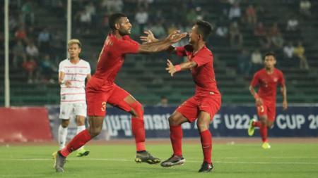 Aksi selebrasi pemain Timnas Indonesia usai Marinus mencetak gol - INDOSPORT