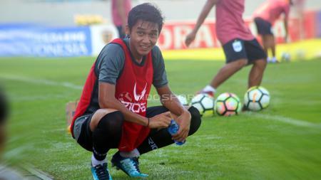 Septian David Maulana (PSIS Semarang) saat latihan di Stadion Moch Soebroto, Magelang, Minggu (23/2/19). - INDOSPORT
