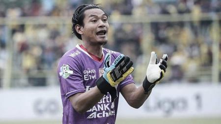 Kiper Bali United Wawan Hendrawan, janjikan aksi laga bak film Spiderman saat lawan Perseru Badak Lampung FC (BLFC) hari ini (30/6/19) waktu setempat. - INDOSPORT