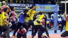 Indosport - Selebrasi Jakarta PGN Popsivo Polwan