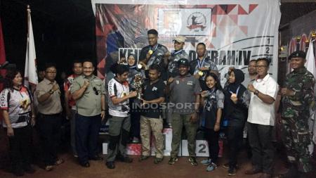Pengcab Jayawijaya berhasil keluar sebagai juara umum dalam Kejurda menembak Perbakin Papua. - INDOSPORT