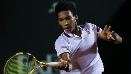 Andy Murray menelan kenyataan pahit setelah dikalahkan oleh petenis berusia 20 tahun, Felix Auger-Aliassime saat bertanding di babak kedua AS Terbuka. - INDOSPORT