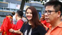 Indosport - Yuk Intip Cantik dan Seksinya Para Fans Vietnam yang Bakal Hiasi Semifinal Piala AFF U-22.