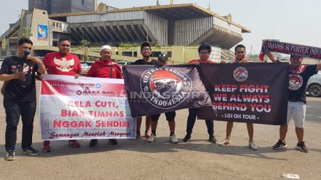 Suporter Timnas Indonesia di Kamboja. - INDOSPORT