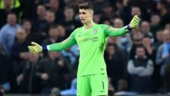 Indosport - Kiper Chelsea yang menolak digantikan di final Piala Liga Inggris melawan Manchester City