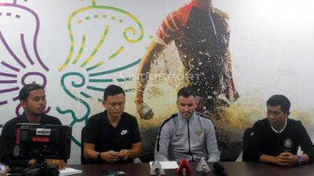 Pelatih Timnas Indonesia senior, Simon McMenemy. - INDOSPORT