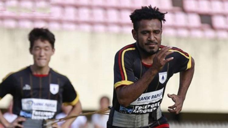 Pelatih Persipura Jayapura Ungkap Alasan Rekrut Ronaldo Indosport