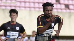 Indosport - Skuat Persipura saat latihan.