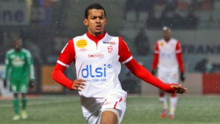 Striker jebolan Ligue 1 Prancis, Florent Zitte. - INDOSPORT