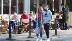 Indosport - Juan Mata dan kekasihnya usai menikmati kencan makan siang