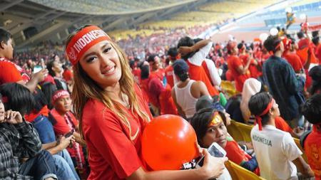 Liga 1 2020 Bubar, Intan Saumadina Tak Tahan Ingin ke Stadion Lagi. - INDOSPORT