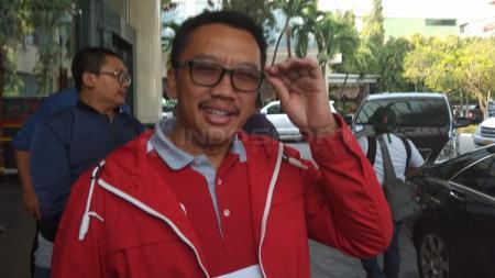 Imam Nahrawi tiba di hotel Timnas Indonesia U-22. - INDOSPORT