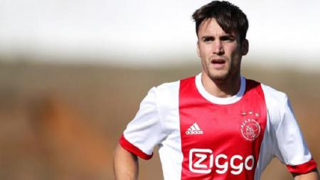 Usai berhasil memboyong Hakim Ziyech, Chelsea ingin membajak bintang Ajax Amsterdam lainnya, Nicolas Tagliafico - INDOSPORT