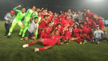 Timnas Indonesia U-22 merayakan kemenangan sebagai juara Piala AFF U-22 - INDOSPORT