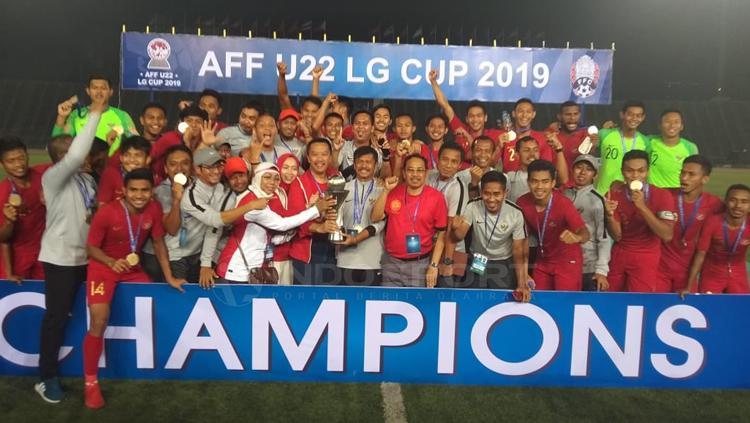 Aksi selebrasi Timnas Indonesia U-22 merayakan kemenangan sebagai juara Piala AFF U-22 Copyright: Zainal Hasan/INDOSPORT