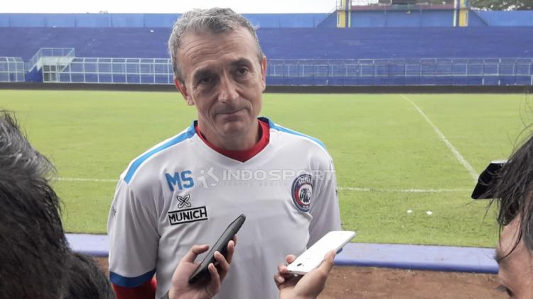 Pelatih Arema FC, Milomir Seslija. Copyright: Ian Setiawan/Indosport.com