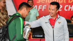 Indosport - Menpora, Imam Nahrawi sambut penggawa Timnas Indonesia U-22