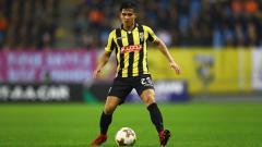 Indosport - Media Vietnam menyebutkan Navarone Foor dan tujuh pemain lainnya bakal dinaturalisasi oleh PSSI.
