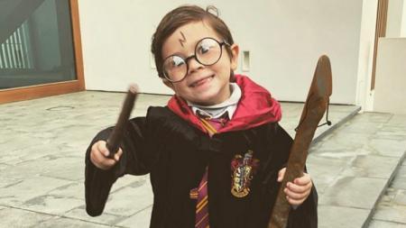 Mateo Messi saat berdandan ala Harry Potter. - INDOSPORT