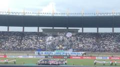 Indosport - Koreo indah yang dilakukan oleh Bobotoh