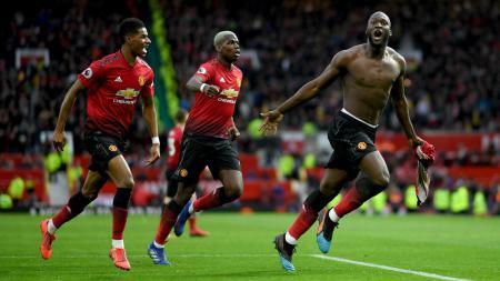 Selebrasi emosional Romelu Lukaku usia mencetak gol kemenangan Manchester United atas Southampton, Sabtu (02/03/19). - INDOSPORT