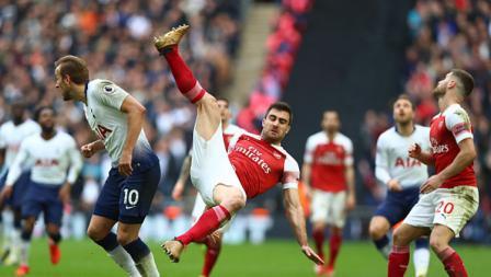 Duel pemain Tottenham Hotspur vs Arsenal.