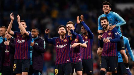 Selebrasi para pemain Barcelona usai memastikan kemenangan atas rival seterunya, Real Madrid.