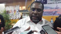 Indosport - Sekretaris Umum KONI Papua, Kenius Kogoya.