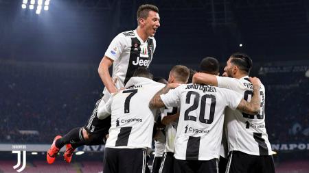 Selebrasi pemain Juventus usia menang atas Napoli, Senin (04/03/19). - INDOSPORT