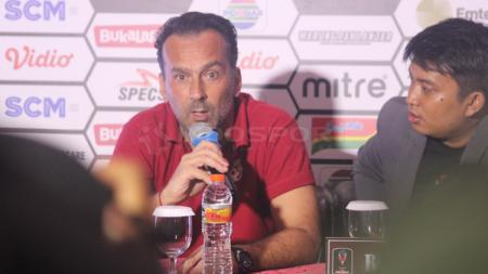 Fabio Lopez, mantan pelatih Borneo FC. - INDOSPORT