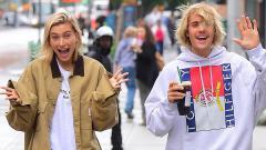 Indosport - Hailey, istri Justin Bieber, memiliki trik khusus untuk melakukan empat latihan dalam satu gerakan
